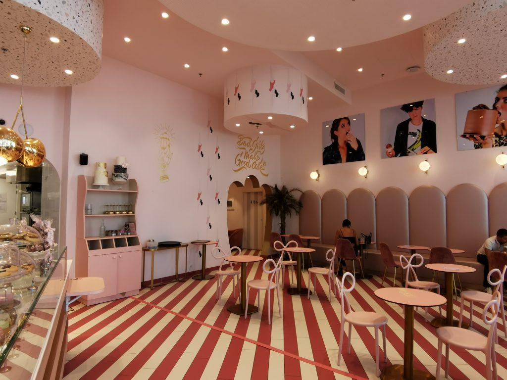 la superbe décoration de Bad Girls good cakes à Cap 3000 Saint Laurent du var