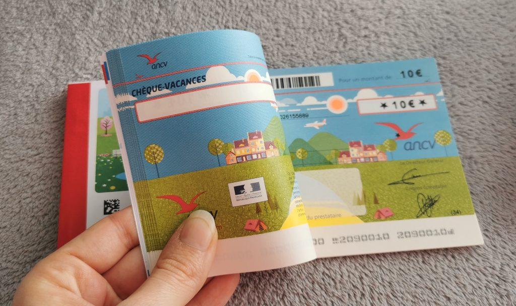 carnet de chèques  vacances sous  forme de chèques de 10 euros