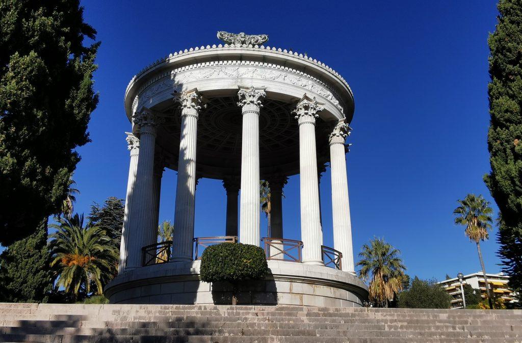 Le temple de l'Amour au parc Chambrun à Nice