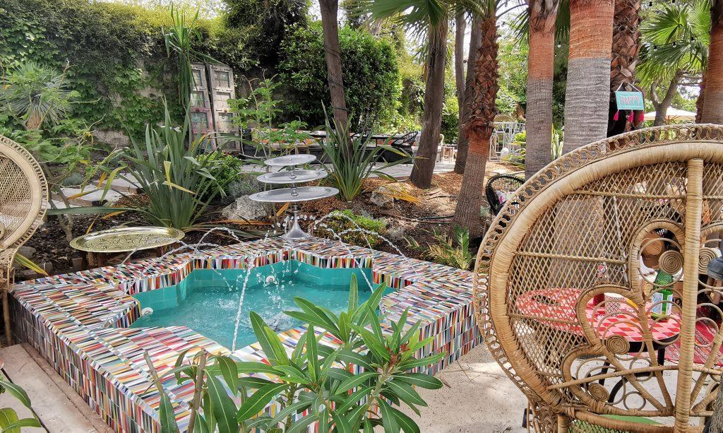 Jardins du restaurant et bar Villa Djunah à Juan les Pins